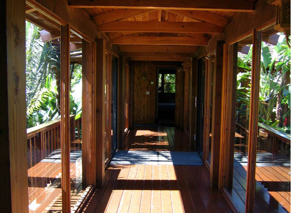Enclosed walkway to cottage