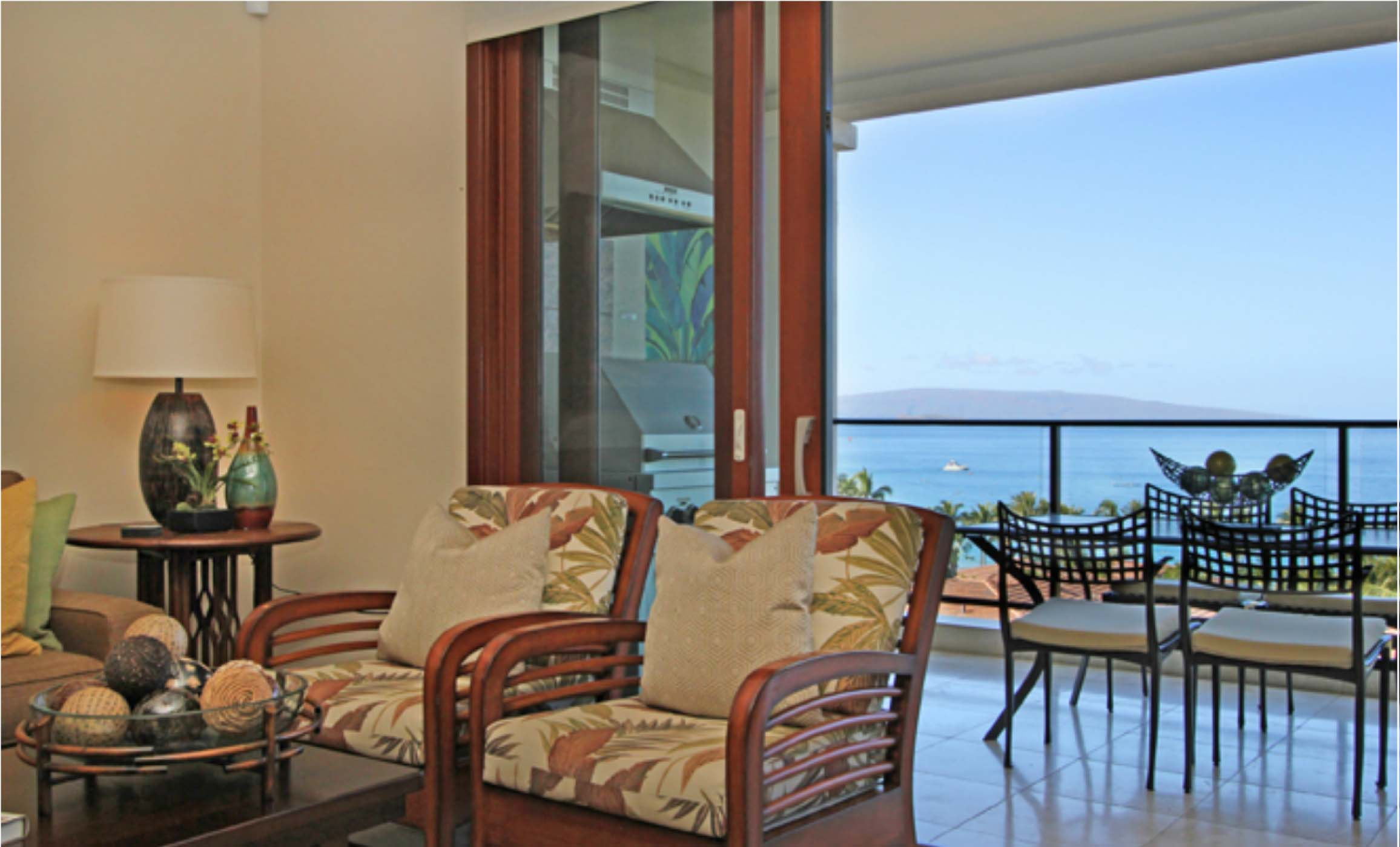 Living room, oceanview