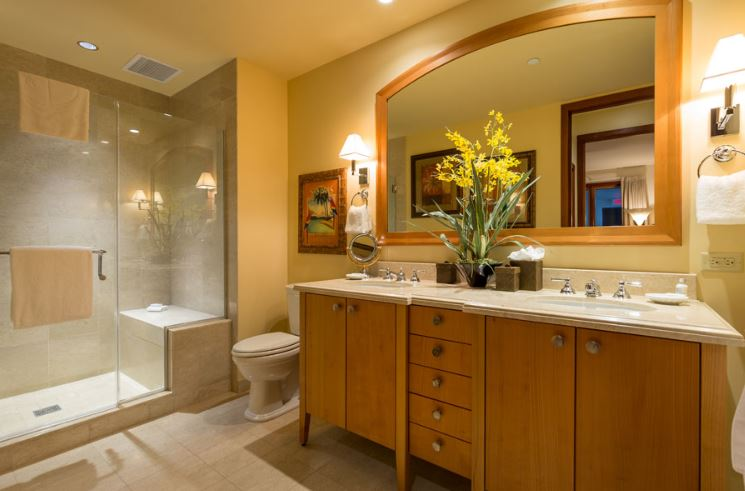 Guest bedroom bathroom