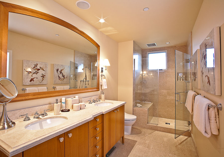 Wailea beach villas k 508 sandy surf southshore maui for Bedroom and bathroom