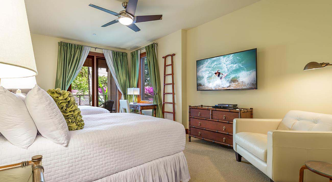 3rd bedroom, large TV, private lanai