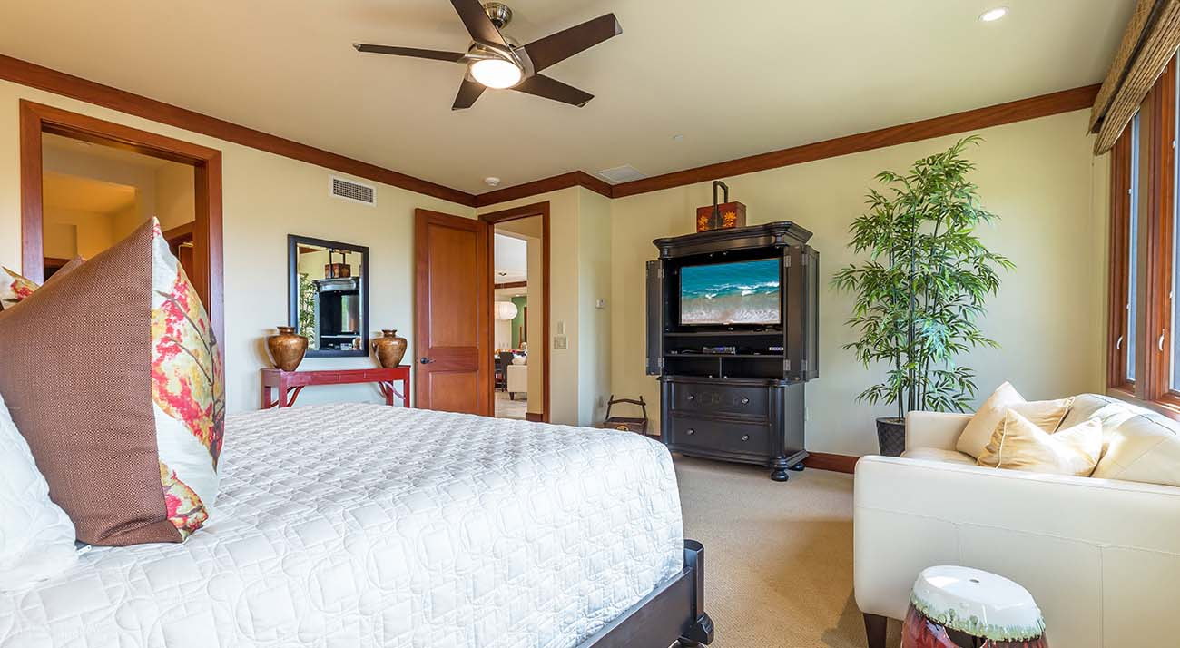 Master bedroom, flat screen TV